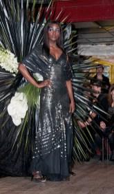 DEFILE SWAN LAKE COLLECTION AUTOMNE-HIVER 2011-2012 CHRISTOPHE GUILLARME PARIS