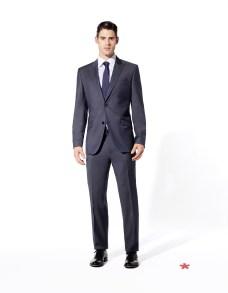 CELIO CLUB_LA COLLECTION NOIRE NCUBARI/NCOBARI: veste et pantalon laine super 120's 199¤ et 99¤ NCATURINO: chemise coton double fil 69¤ NCITALIE: cravate soie 39¤ NCICORTINA: derby cuir 139¤