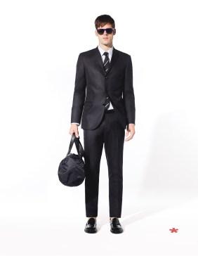 CELIO CLUB_NCUBRIT/NCOBRIT: veste et pantalon poly-viscose 99,99¤ et 49,99¤ JCARIOSO: chemise coton mélangé 25,99¤ NCINICE: cravate soie 25,99¤ NCIPRIVATE: sac polyamide 39,99¤ NCIPENNY: mocassin cuir 89.99¤