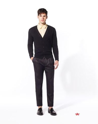 CELIO CLUB_NCEHOLE: gilet coton 49,99¤ NCADISON: chemise voile de coton 39,99¤ FCOPLANE: pantalon laine mélangée 69,99¤ NCIPENNY: mocassin cuir 89.99¤