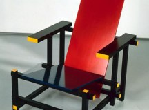 Gerrit T. RIETVELD - Fauteuil Red and Blue chair - 1918 - Bois peint - Inv. : 78.13.1 © Adagp, Paris