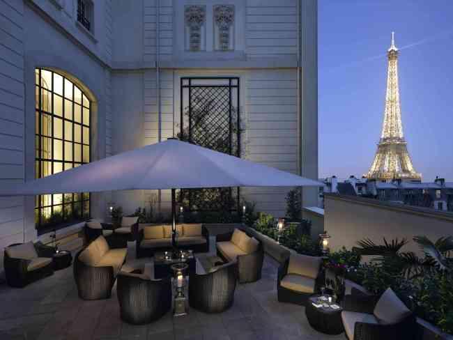 La terrasse d'été du Shangri La