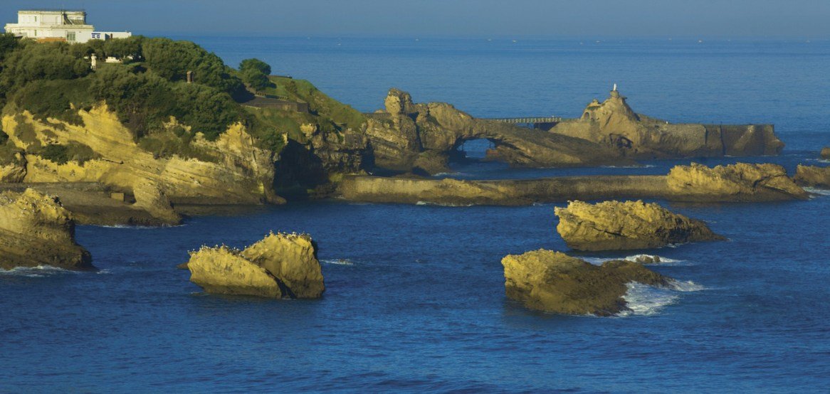 hdp_1366x650_destination_biarritz01
