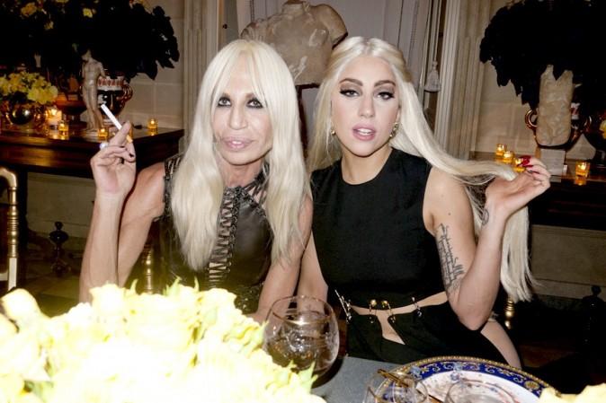 Lady-Gaga-shootee-par-Terry-Richardson-lors-de-sa-rencontre-avec-Donatella-Versace-!_portrait_w674