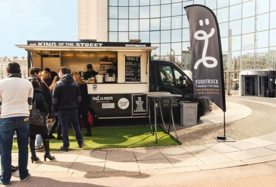 Le Foodtruck Thaï la route