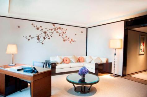 SuperiorHV Suite Living room (low)