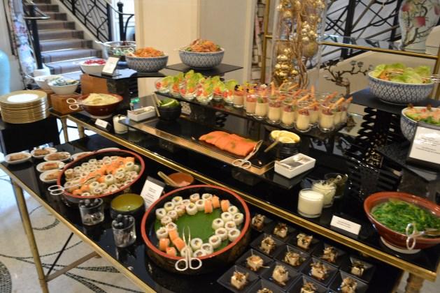 Le buffet salé, fortement inspiré par l'Asie