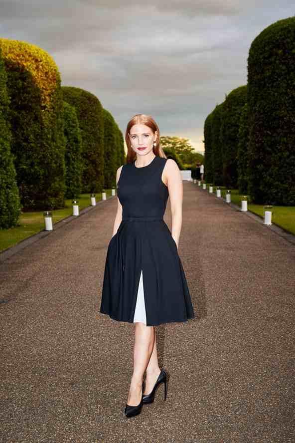 Jessica-Chastain-Vogue-23Jun15-pr_b_592x888