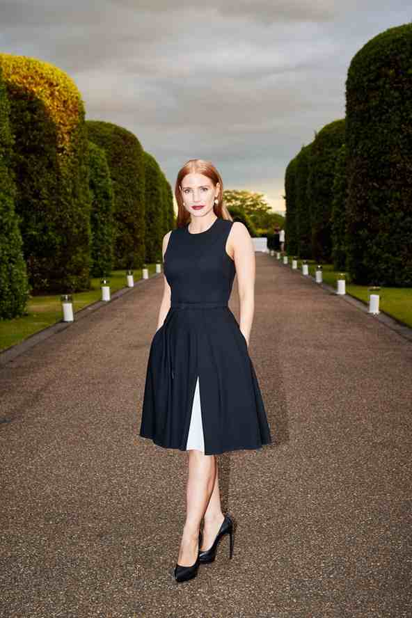 Jessica-Chastain-Vogue-23Jun15-pr_b_592x888
