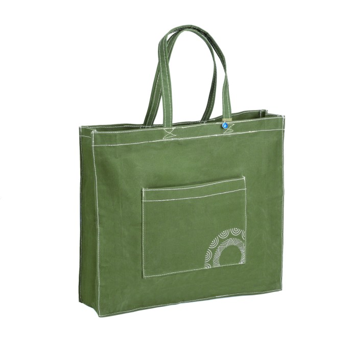 Navarino Canvas Tote