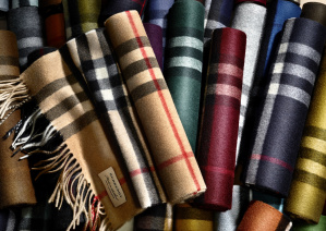 The Burberry Scarf Bar - Classic Cashmere Scarve_003