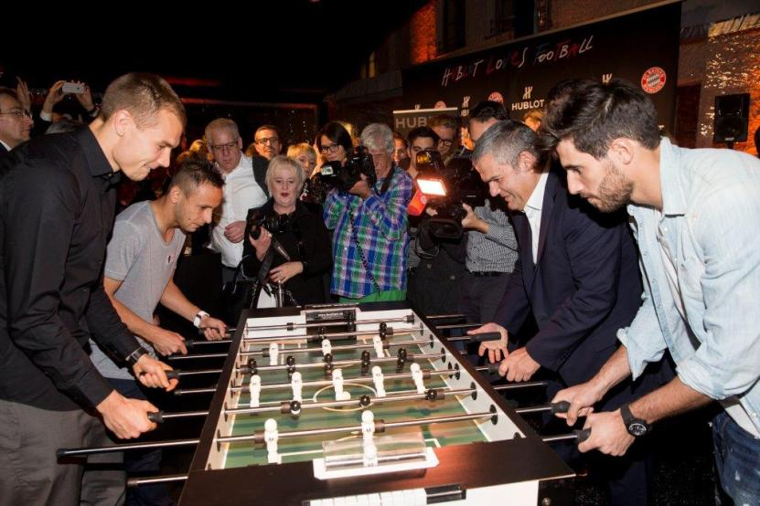 Holger Badstuber, Rafinha, Ricardo Guadalupe and Javier Martinez playing_ mini table football