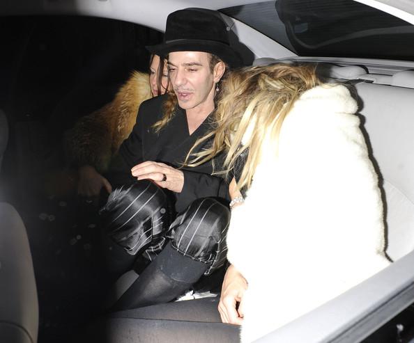 Kate+Moss+John+Galliano+Kate+Moss+Leaves+Box+xWurR032-Anl