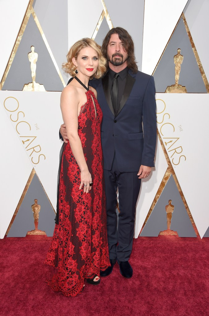 HOLLYWOOD, CA - FEBRUARY 28: Musician Dave Grohl (R) and Jordyn Blum attend the 88th Annual Academy Awards at Hollywood & Highland Center on February 28, 2016 in Hollywood, California. (Photo by George Pimentel/WireImage)