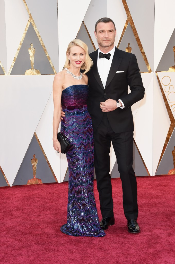 HOLLYWOOD, CA - FEBRUARY 28: Actors Naomi Watts (L) and Liev Schreiber attend the 88th Annual Academy Awards at Hollywood & Highland Center on February 28, 2016 in Hollywood, California. (Photo by Jason Merritt/Getty Images)