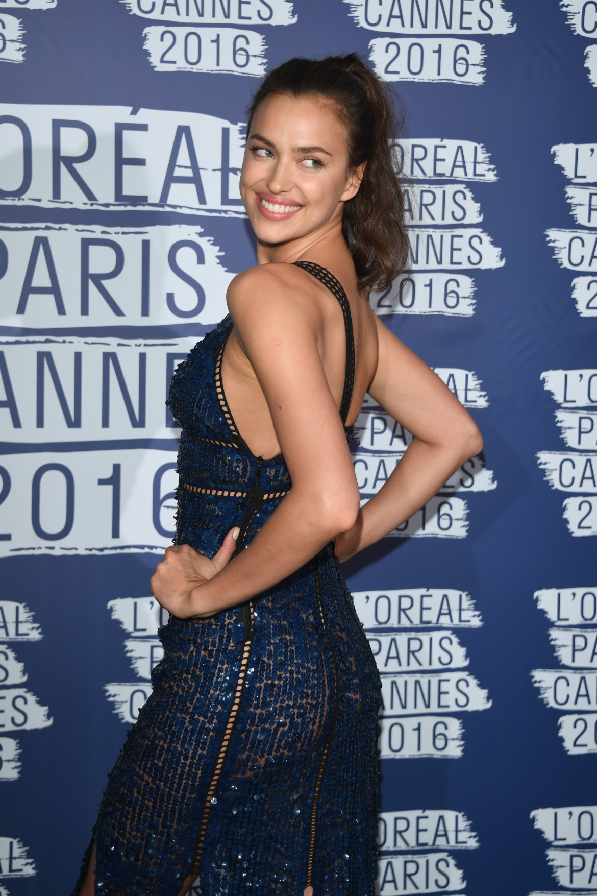 CANNES, FRANCE - MAY 18: Irina Shayk attends the L'Oreal Party during the annual 69th Cannes Film Festival at on May 18, 2016 in Cannes, France. (Photo by Venturelli/WireImage)