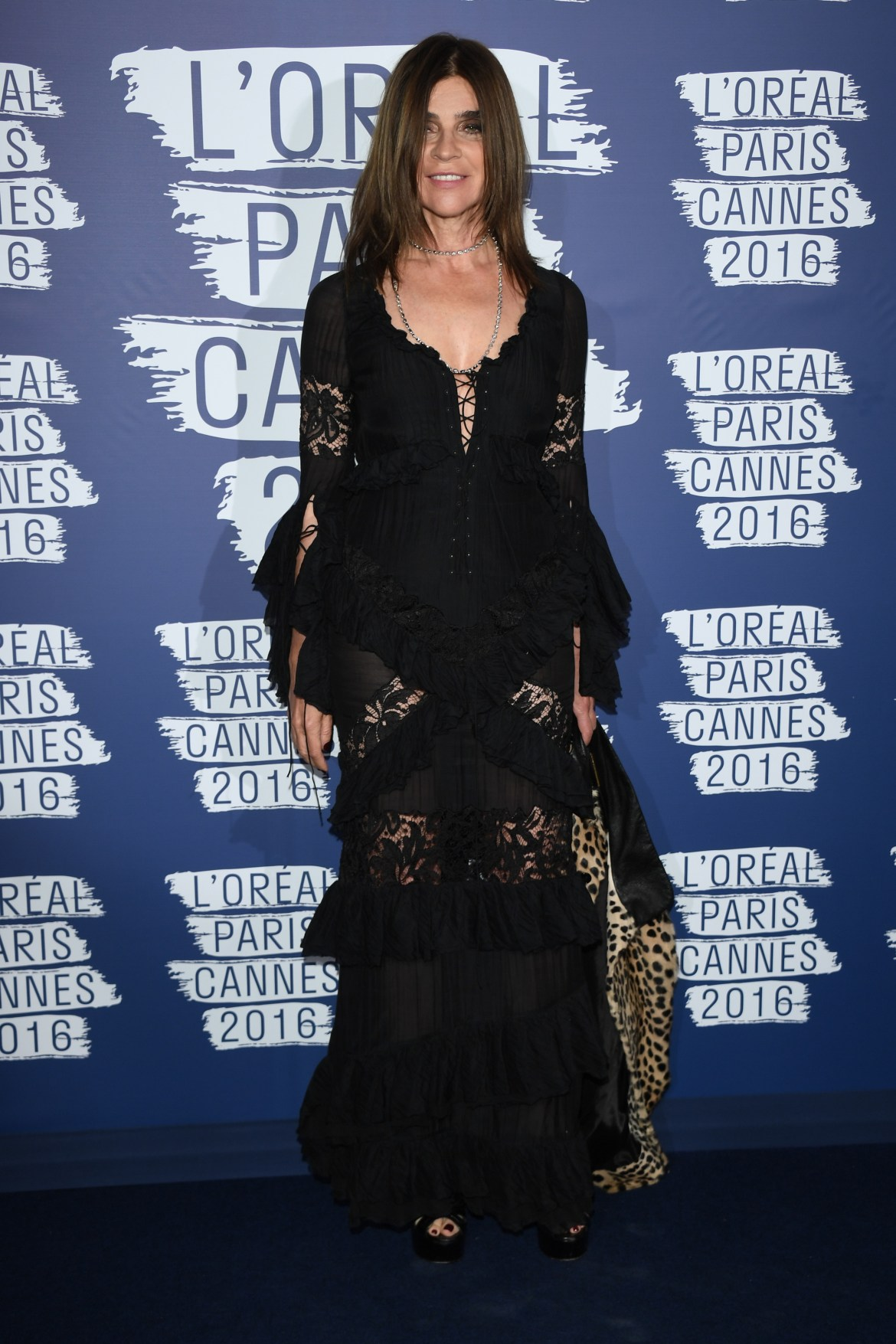 CANNES, FRANCE - MAY 18: Carine Roitfeld attends the L'Oreal Party during the annual 69th Cannes Film Festival at on May 18, 2016 in Cannes, France. (Photo by Venturelli/WireImage)