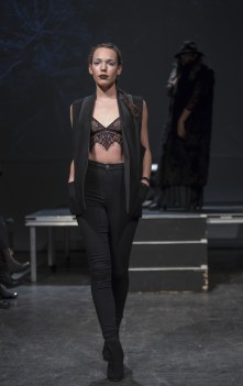 MONTREAL, QUE.: APRIL 6, 2016 -- Emi Jeen au Fashion Preview ˆ l'Agora Hydro QuŽbec ˆ Montreal, Wednesday April 6, 2016. PHOTO: Vincenzo D'Alto / BUREAU DE LA MODE