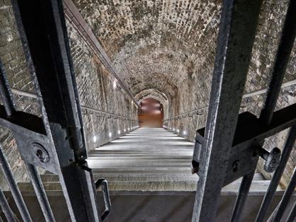08_ruinart_crayares__escaliers