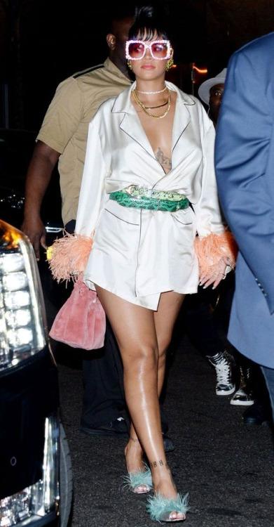 Rihanna-Parada Prada