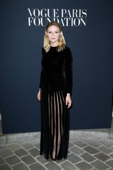 PARIS, FRANCE - JULY 04: Kirsten Dunst attends the Vogue Foundation Dinner during Paris Fashion Week as part of Haute Couture Fall/Winter 2017-2018 at Musee Galliera on July 4, 2017 in Paris, France. (Photo by Julien Hekimian/Getty Images for Vogue) *** Local Caption *** Kirsten Dunst