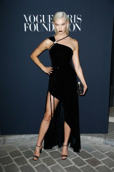 PARIS, FRANCE - JULY 04: Karlie Kloss attends the Vogue Foundation Dinner during Paris Fashion Week as part of Haute Couture Fall/Winter 2017-2018 at Musee Galliera on July 4, 2017 in Paris, France. (Photo by Julien Hekimian/Getty Images for Vogue) *** Local Caption *** Karlie Kloss