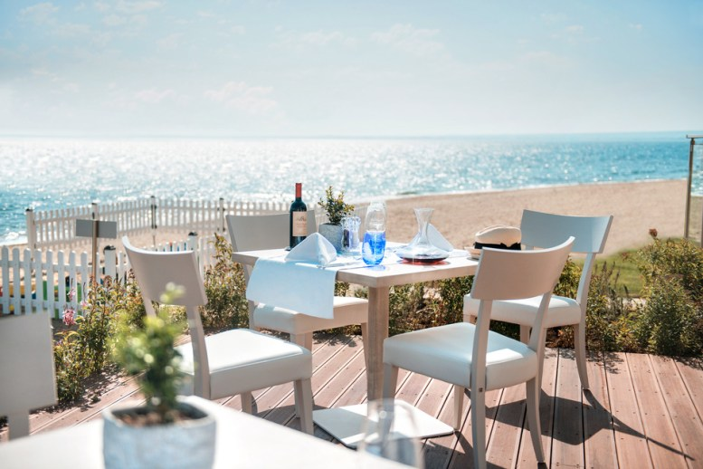 Beachfront Dining Experiences