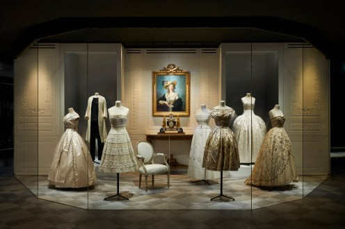 CHRISTIAN DIOR_ DESIGNER OF DREAMS_SCENOGRAPHY 2 ©Adrien Dirand