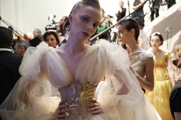 Guo Pei FW17-18 Couture- Backstage 100