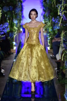 Guo Pei FW17-18 Couture- Look 4