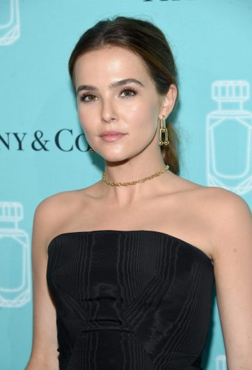 NEW YORK, NY - SEPTEMBER 06: Actress Zoey Deutch attends the Tiffany & Co. Fragrance launch event on September 6, 2017 in New York City. (Photo by Jamie McCarthy/Getty Images for Tiffany & Co.)