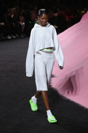 NEW YORK, NY - SEPTEMBER 10: A model walks the runway wearing Look 34 at the FENTY PUMA by Rihanna Spring/Summer 2018 Collection at Park Avenue Armory on September 10, 2017 in New York City. (Photo by JP Yim/Getty Images for FENTY PUMA By Rihanna)