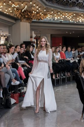 Look 22 - Robe Willow, Rembo Styling (exclusivité) 1710€ au PRINTEMPS MARIAGE