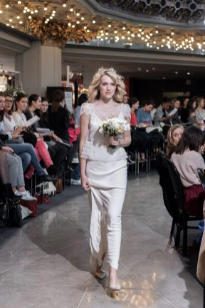Look 23 - Ensemble Laure de Sagazan, top Garbo 1020€, sous-robe Drieu 1390€ Chez Maria Luisa Mariage au Printemps