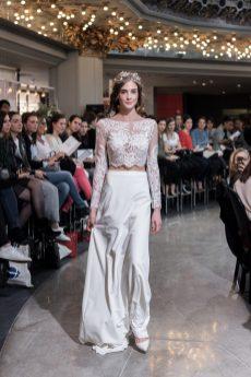Look 25 - Mademoiselle De Guise-Top Gaïa 1260€ Jupe Joséphine 1860€ au PRINTEMPS MARIAGE