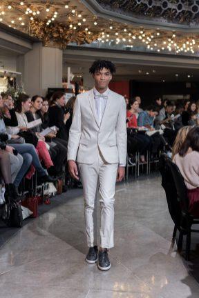 Look 31 - Costume Brummell au PRINTEMPS 450€