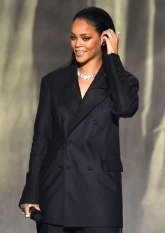 2015.02.08 at the 57th Annual GRAMMY Awards (2)
