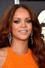 LOS ANGELES, CA - FEBRUARY 12: Recording artist Rihanna attends The 59th GRAMMY Awards at STAPLES Center on February 12, 2017 in Los Angeles, California. (Photo by John Shearer/WireImage)