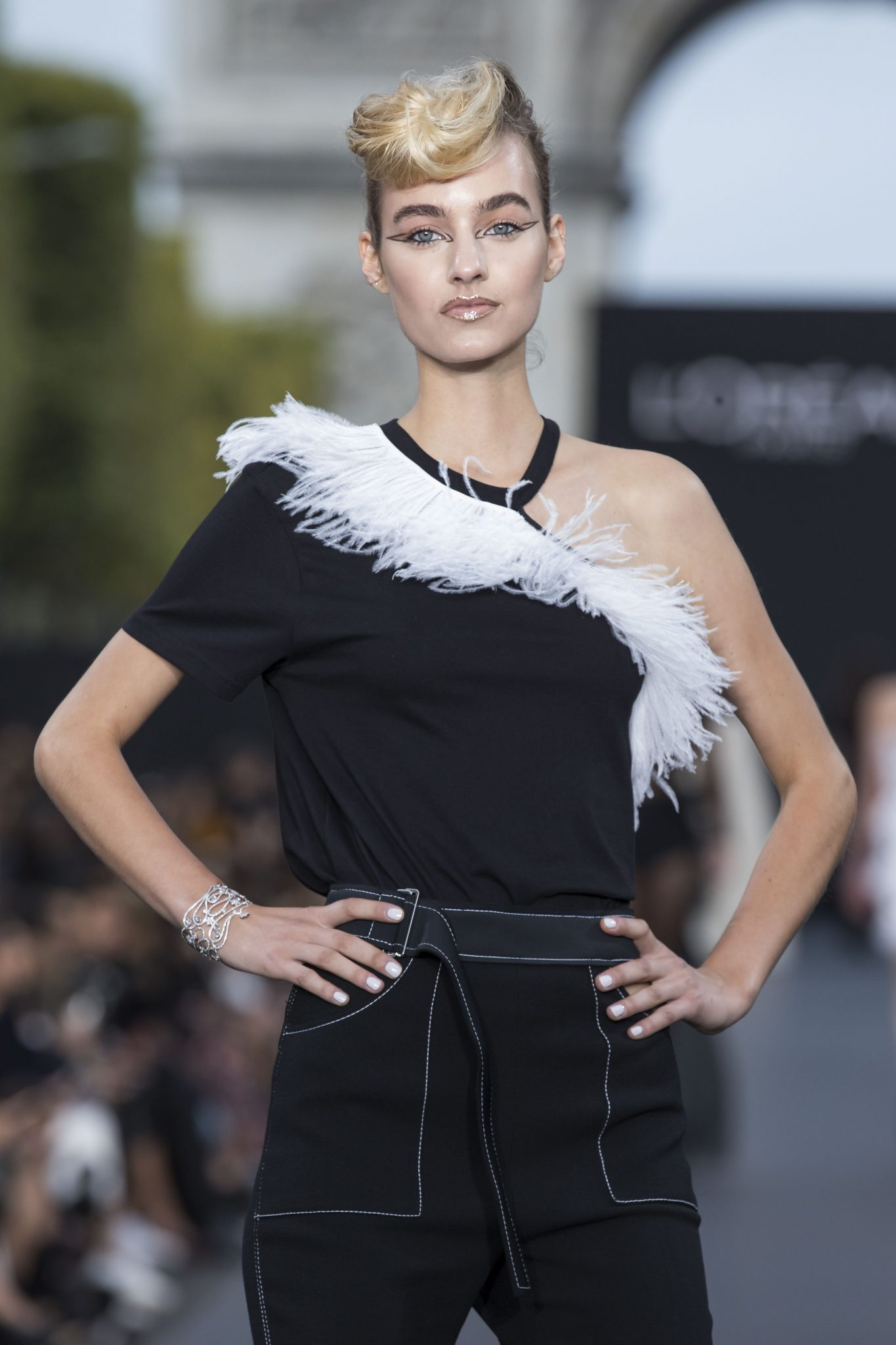 A model wearing Chopard High Jewellery (9)