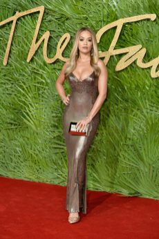LONDON, ENGLAND - DECEMBER 04: Rita Ora attends The Fashion Awards 2017 in partnership with Swarovski at Royal Albert Hall on December 4, 2017 in London, England. (Photo by Jeff Spicer/BFC/Getty Images)