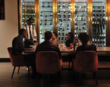 Vinoteca_intérieur_Teranga Lounge_Pullman Dakar Teranga