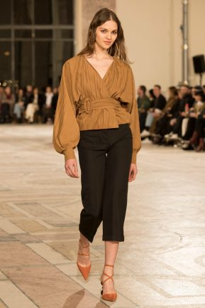 Look 46 (trousers) JACQUEMUS FW18 B