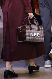 Le sac d' A.P.C , pour transporter les billets vers McCartney