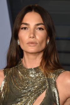 BEVERLY HILLS, CA - MARCH 04: Lily Aldridge attends the 2018 Vanity Fair Oscar Party hosted by Radhika Jones at the Wallis Annenberg Center for the Performing Arts on March 4, 2018 in Beverly Hills, California. (Photo by J. Merritt/Getty Images)