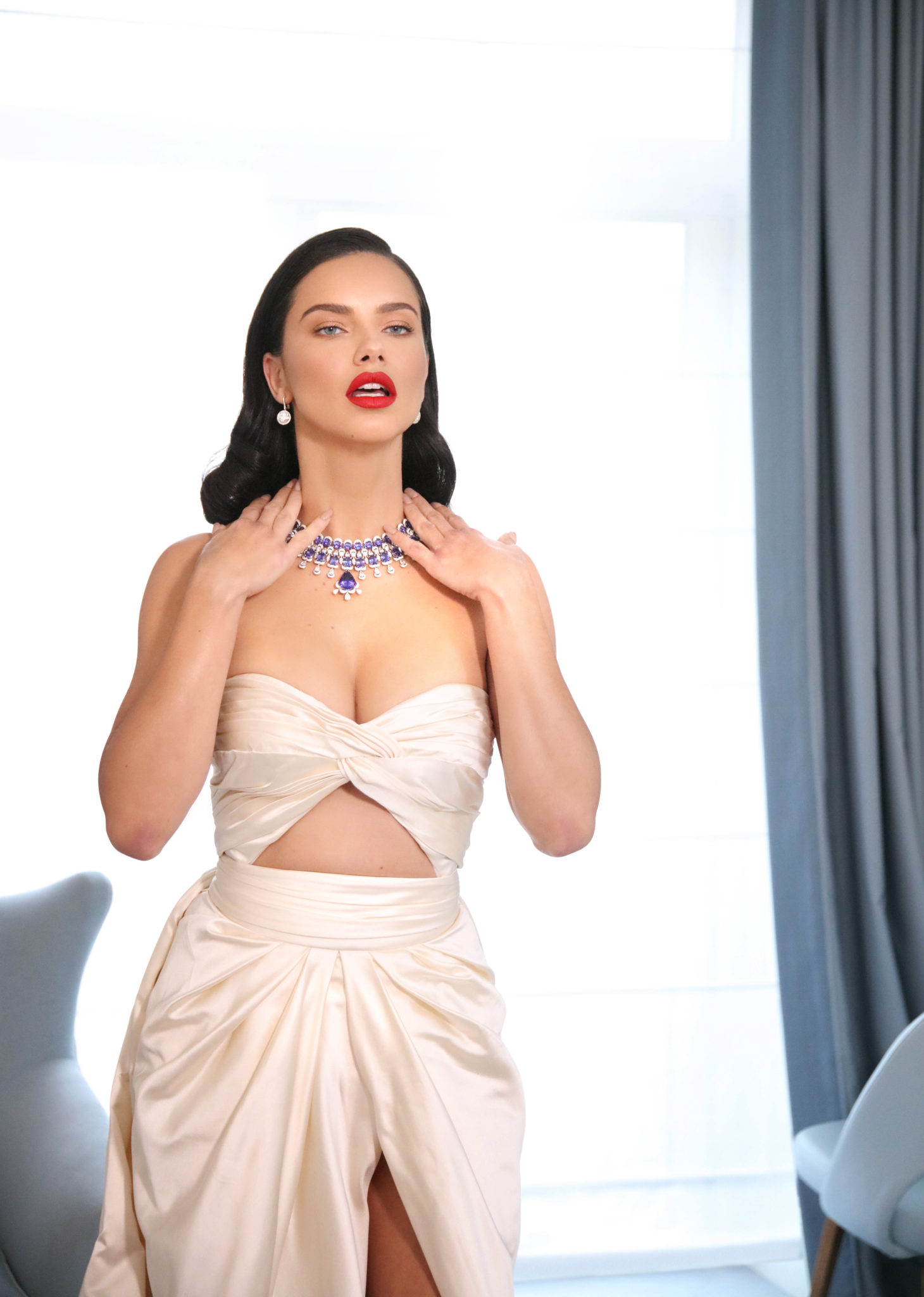 Adriana Lima featuring the Red Carpet Collection (4)
