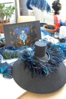 Making of - Feather Necklace from the Red Carpet Collection (18)