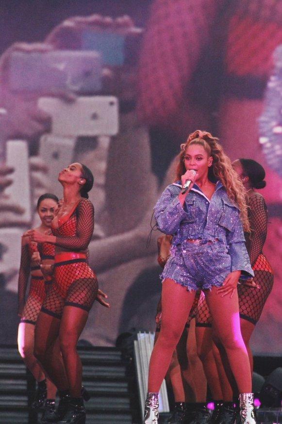 Beyoncé wears OTTOLINGER - 5