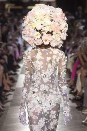SCHIAPARELLI : je suis un bouquet de marié