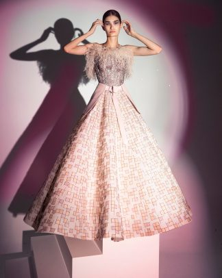 FW19-21 Light Pink Ball Gown With Squares Embellishements Of Leather And Matte Sequins With Ostrich Feathers