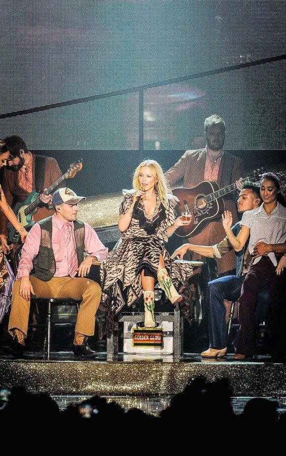 Kylie Minogue x Roberto Cavalli 1